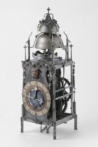Horloge-Cl2465-1