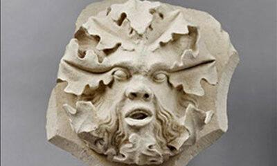 Clef de voûte au « masque de feuilles »-Cl. 11656-Mini